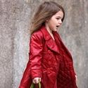 How Fashionable Suri Cruise Wears Coat