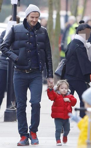 Harper Beckham Wears Red Parka Coat