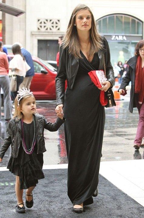 Alessandra Ambrosio´s Daughter Anja Wears Little Black Dress